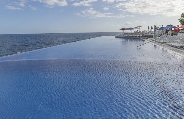 Swimming pools Marina Suites Canary Islands